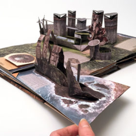 Game of Thrones: A Pop-Up Guide to Westeros